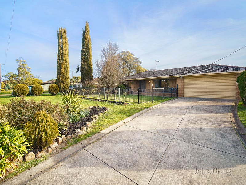 49 Howe Street, Miners Rest, Vic 3352