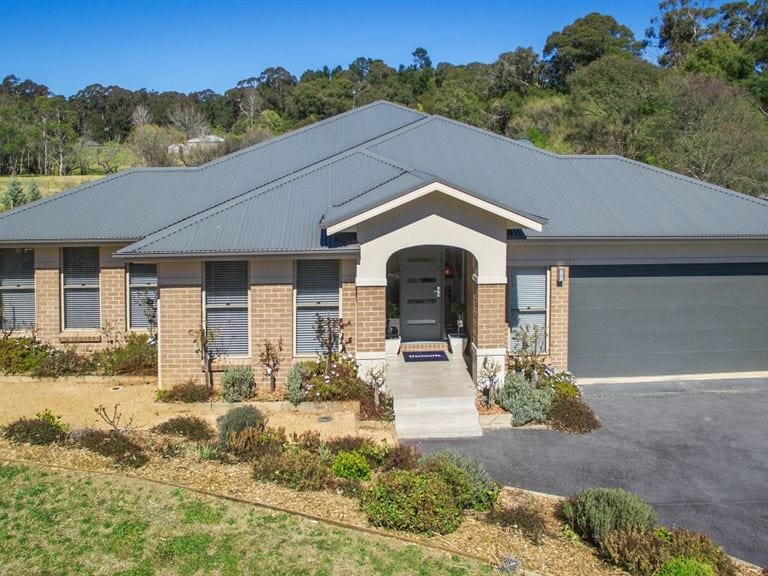 10 Larkin Close, Bundanoon, NSW 2578