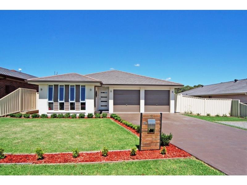 3 Hesperus Close, Nowra, NSW 2541