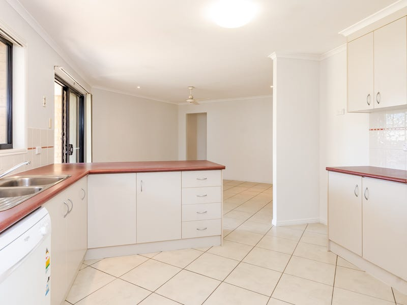 6 Hill View Place, New Auckland, Qld 4680