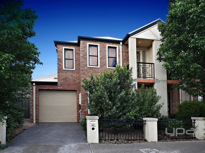 42 O'Donnell Drive, Caroline Springs, Vic 3023