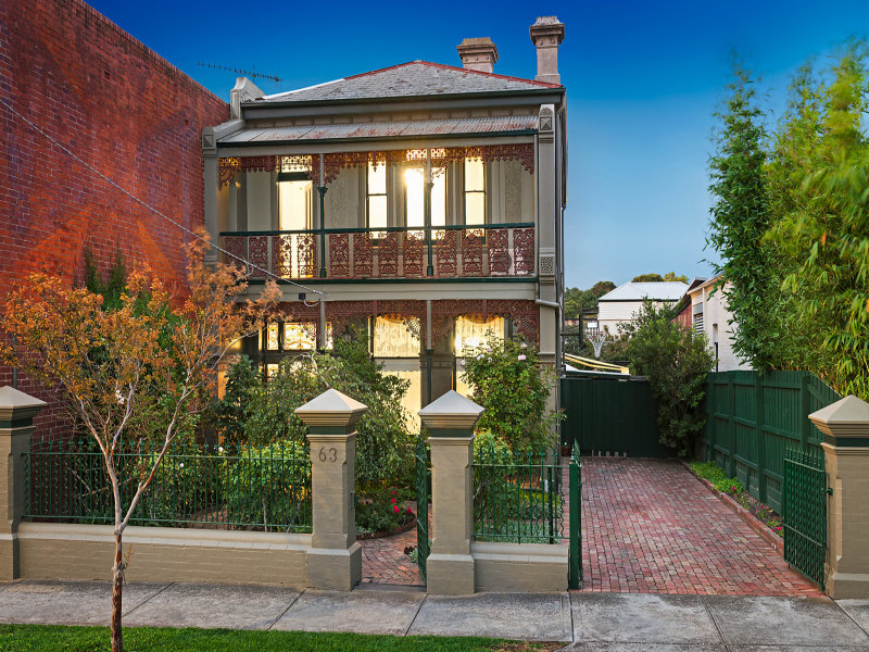 Room For Rent In Hawthorn Village