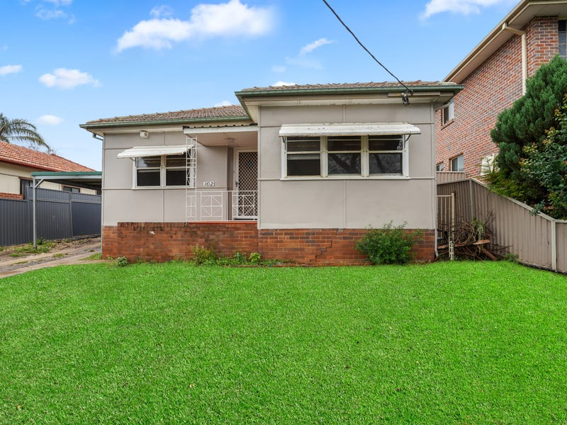 102 Canterbury Rd, Glenfield, NSW 2167