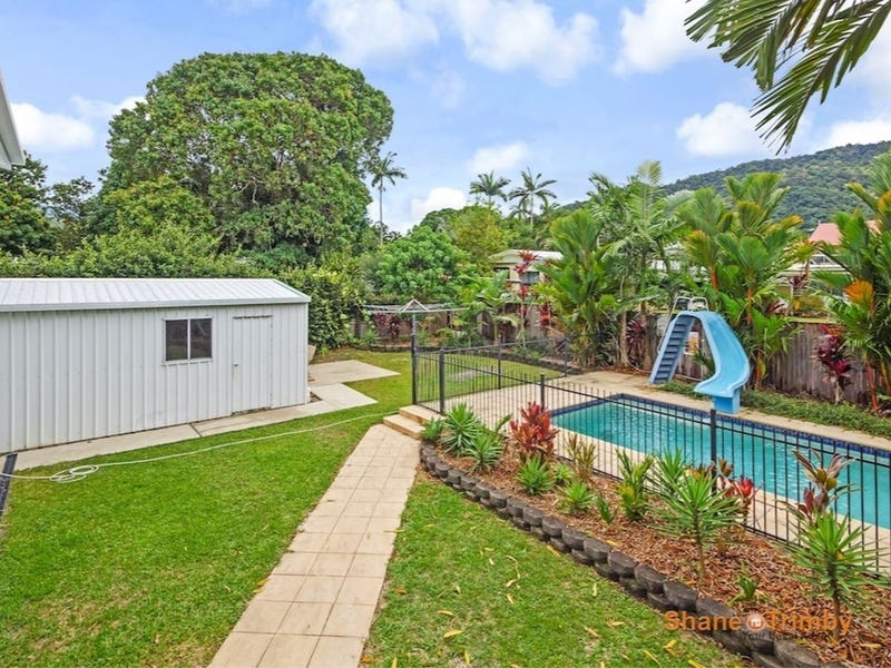 210 Greenslopes St, Edge Hill, Qld 4870