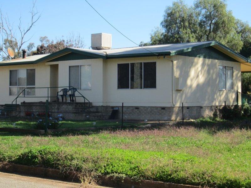 9 Ariah Street, Beckom, NSW 2665