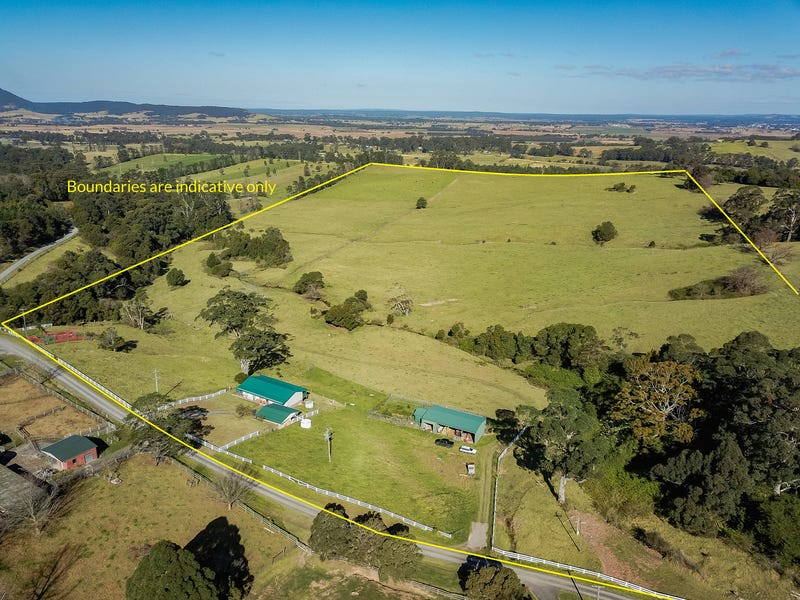 225 Croziers Road, Berry