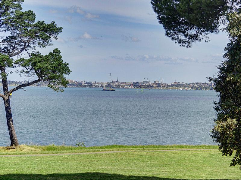 1/51 The Esplanade, North Shore, Vic 3214