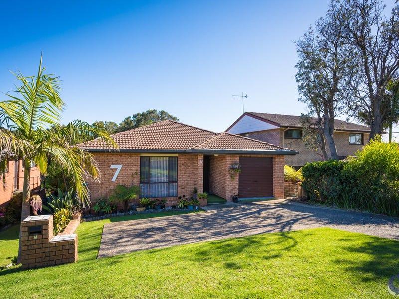 7 Lakeside Drive, Kianga, NSW 2546