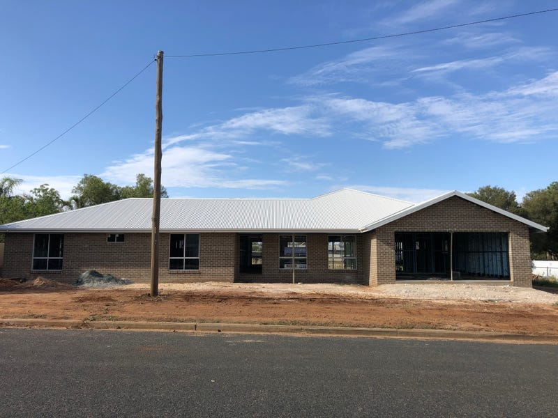 8 Clarke Street, Temora, NSW 2666