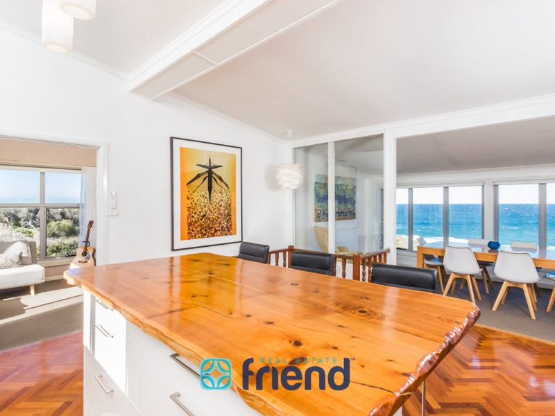 18 Ocean Street, Fishermans Bay, NSW 2316