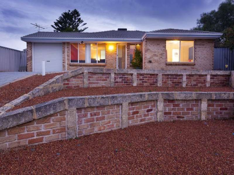 16 Chipper View, Parmelia, WA 6167