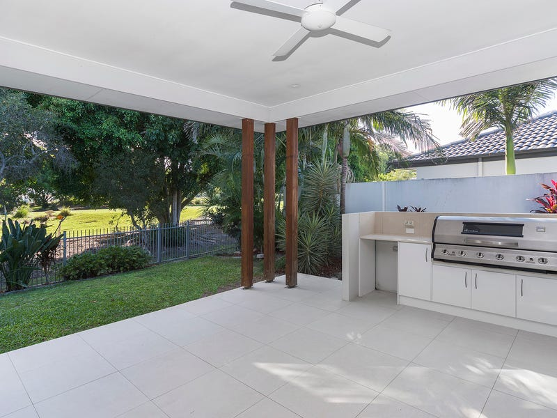 9120 Peter Senior Drive, Hope Island, Qld 4212