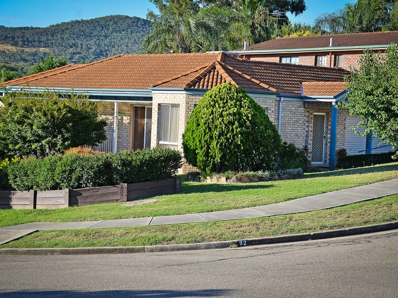 92 Sunset Drive, West Albury, NSW 2640