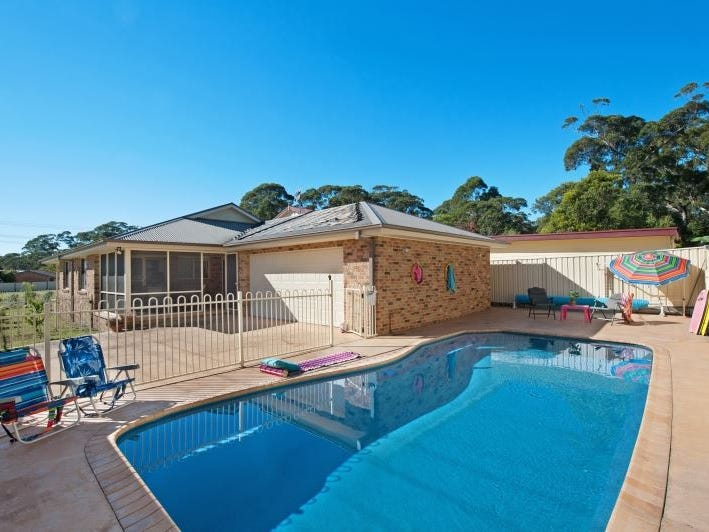 21 Beach Street, Lake Tabourie, NSW 2539