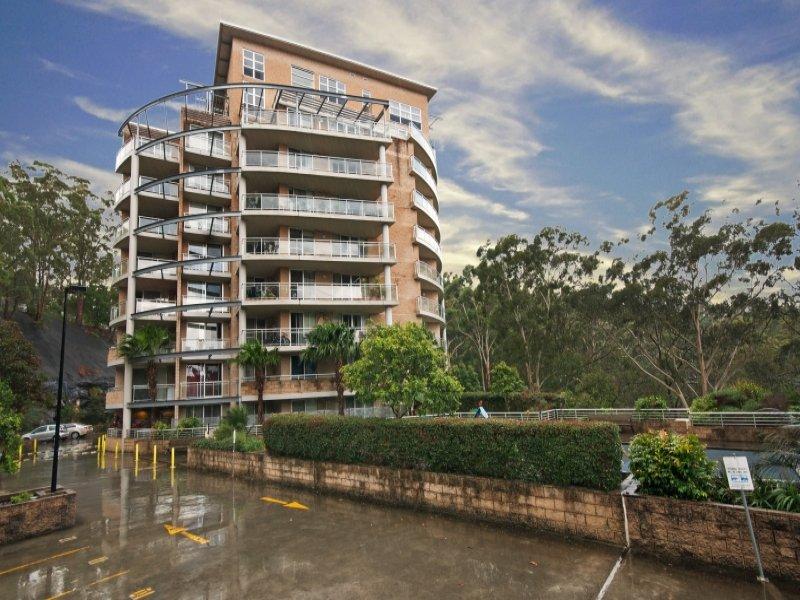 342/80 John Whiteway Drive, Gosford, NSW 2250