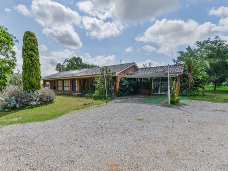 7 Carrai Close, North Tamworth, NSW 2340