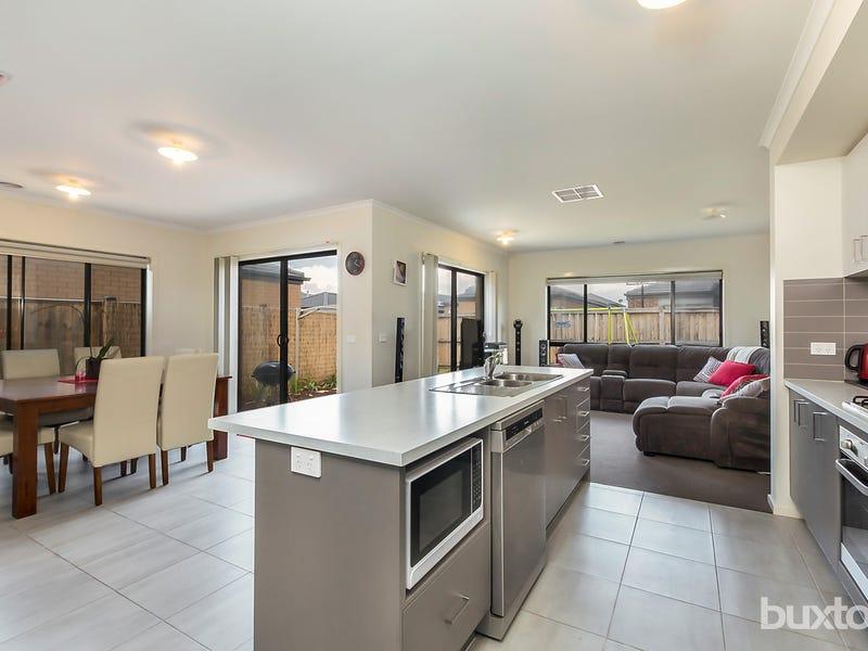 9 Jobbins Street, North Geelong, Vic 3215