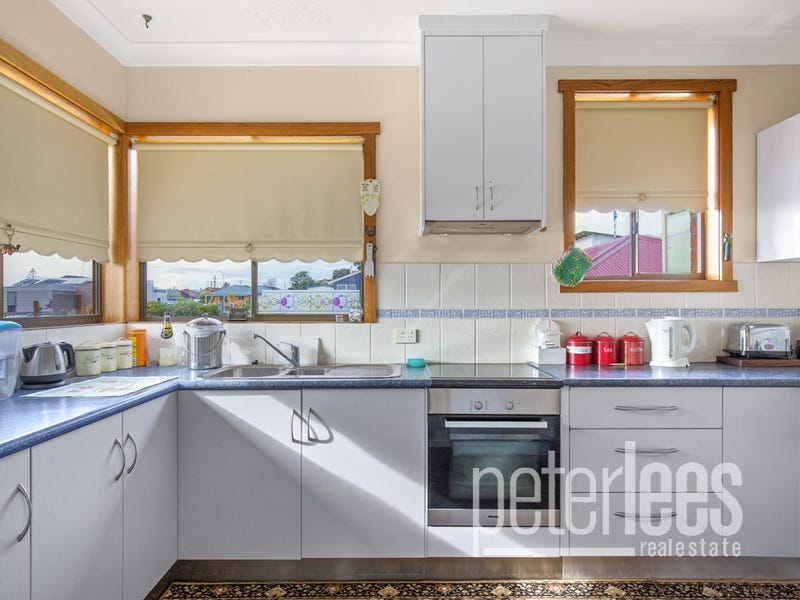 148 Charles Street, Beauty Point, Tas 7270