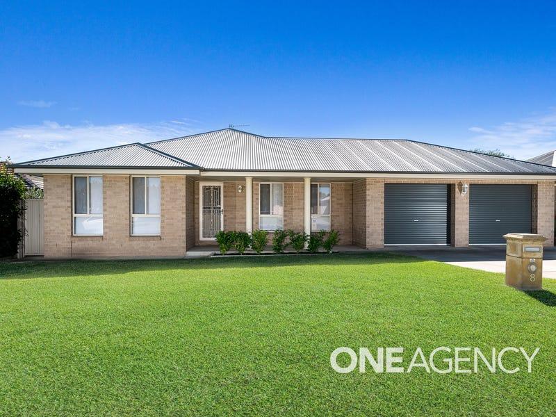 8 APPRENTICE AVENUE, Flowerdale, NSW 2650
