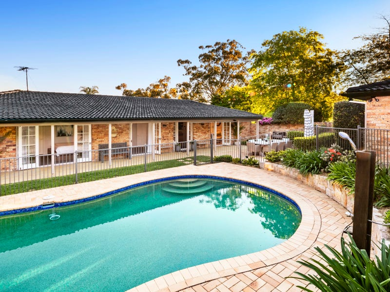 4 Oak Hill Close, St Ives, NSW 2075