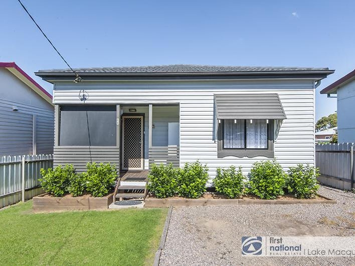 8A Bonarius Street, Edgeworth, NSW 2285