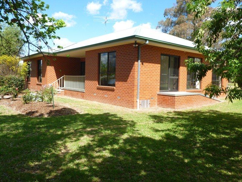 2327 Urana Road, Jindera, NSW 2642