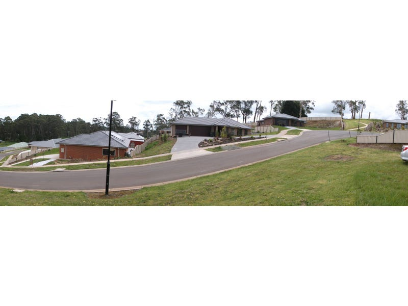 8 Lakeview Ct, Drouin, Vic 3818