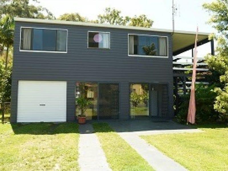 4 Seventeenth Avenue, Stuarts Point, NSW 2441