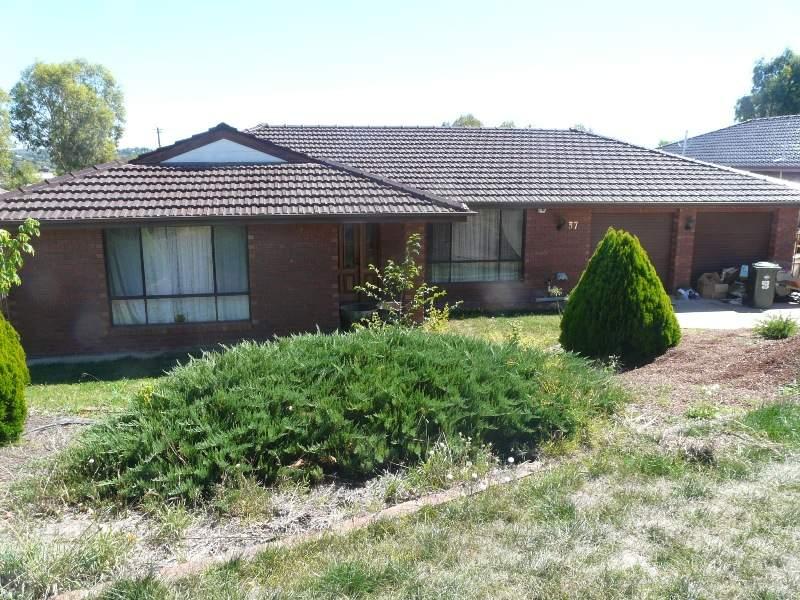37 Barker Circuit, Kelso, NSW 2795