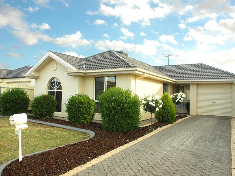 12 Cyclamen Avenue, Para Hills West, SA 5096
