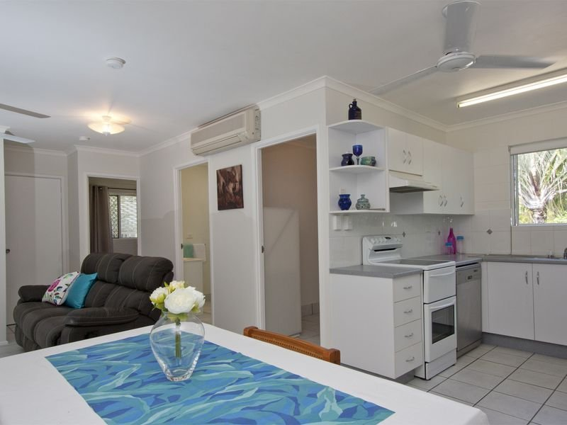 Unit 1/27 Kitchener Road, Pimlico, Qld 4812