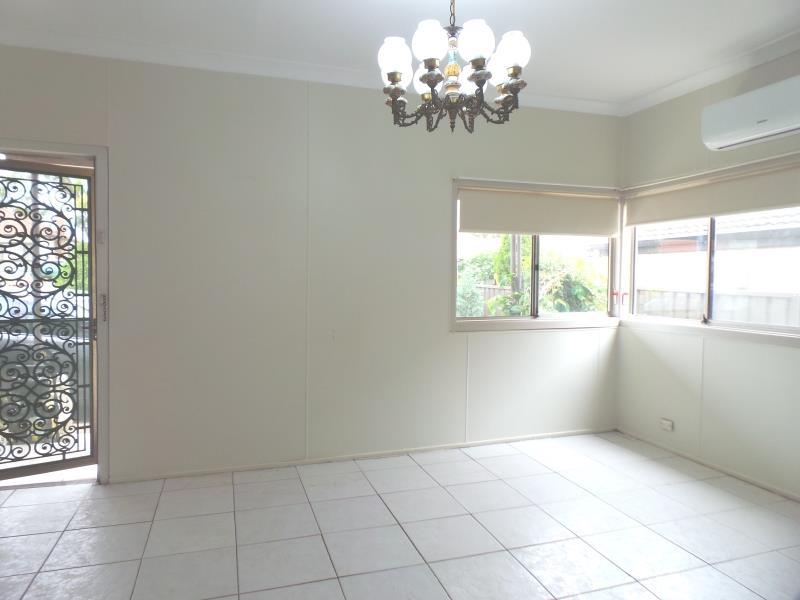 13 Earle  Street, Doonside, NSW 2767