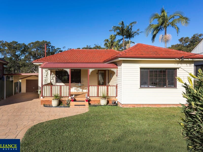 3 Claverdon Avenue, Picnic Point, NSW 2213
