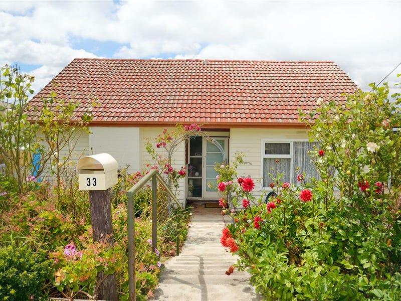 33 Mark Street, Hillcrest, Tas 7320