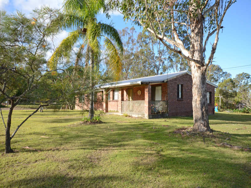 4 Bream Place, Seelands, NSW 2460