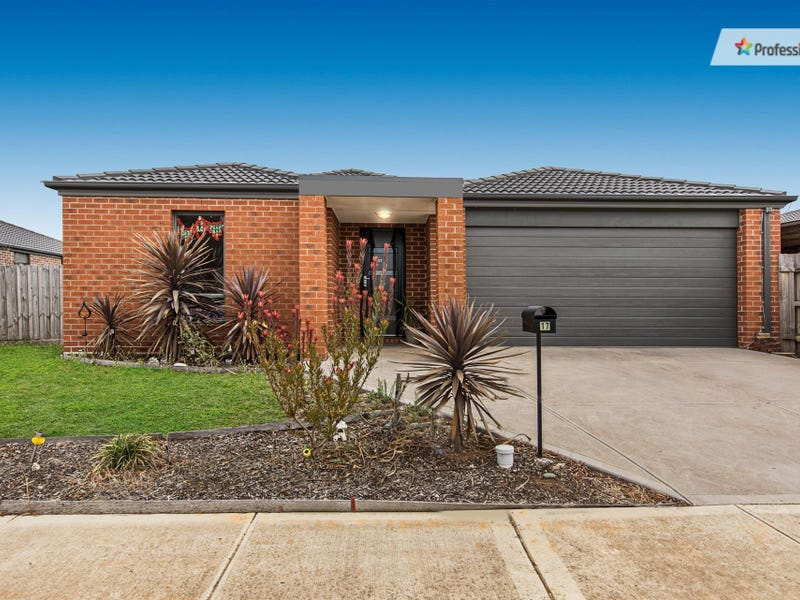 17 Horseman Drive, Melton South, Vic 3338