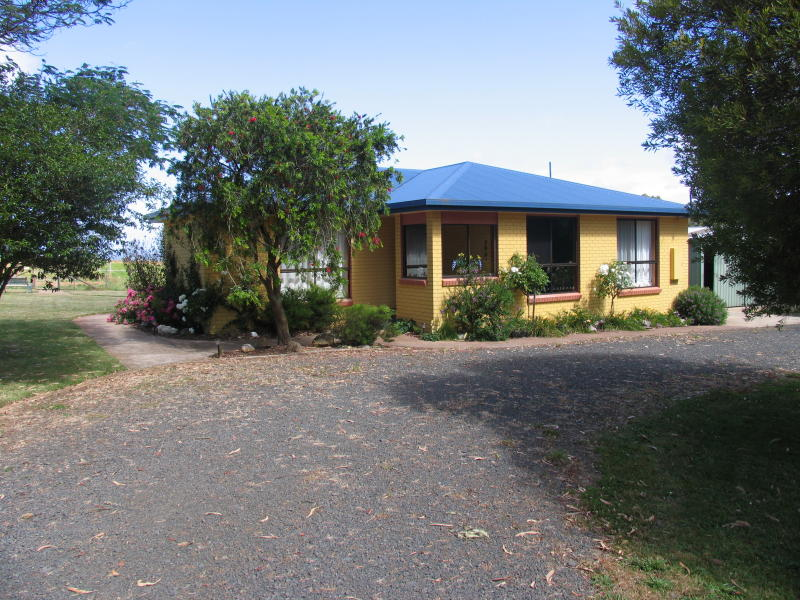 17475 Bass Highway, Boat Harbour, Tas 7321