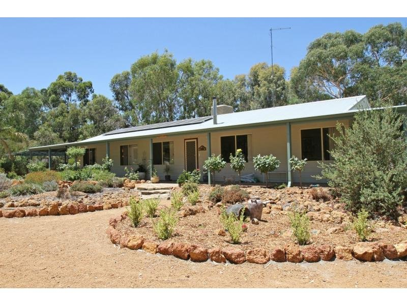 248 Tamma Road, Bakers Hill, WA 6562