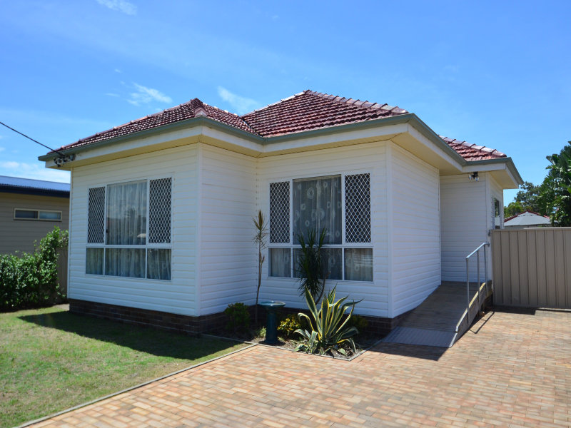 49 Albion Street, Umina Beach, NSW 2257