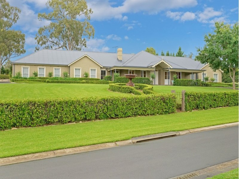 3 The Glade, Kirkham, NSW 2570