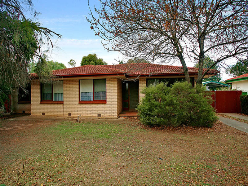 6 Charles Street, Riverton, SA 5412