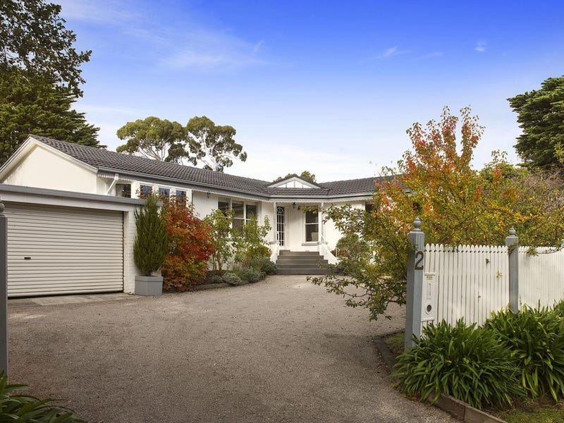 2 Camborne Avenue, Mount Eliza, Vic 3930