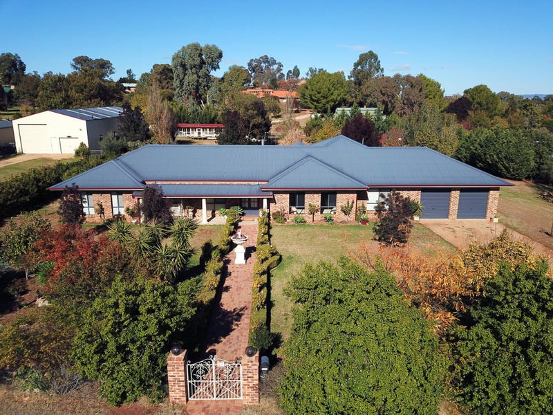 45 Doncaster Drive, Cowra, NSW 2794