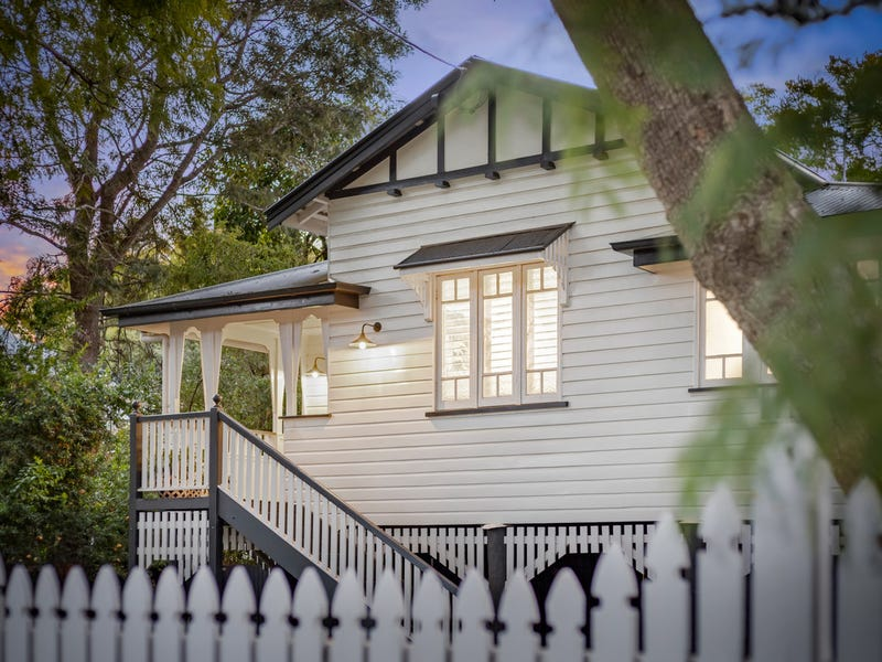 15 Warren Street, East Toowoomba, Qld 4350