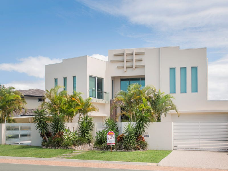 33 Royal Albert Crescent, Sovereign Islands, Qld 4216