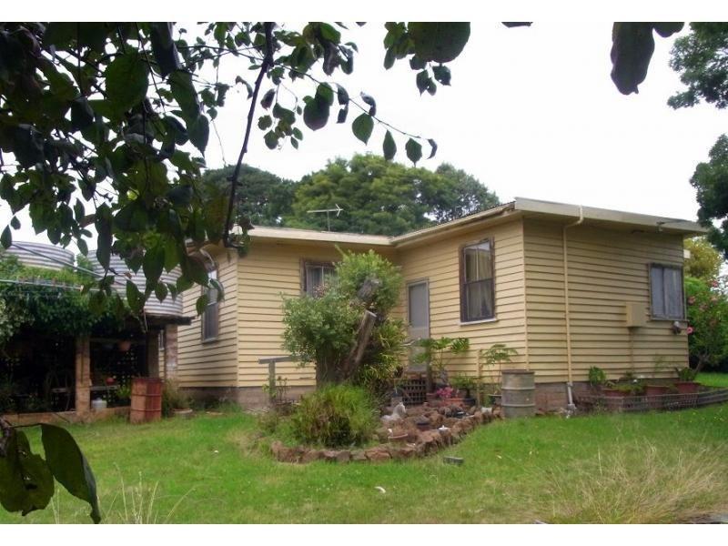 689 Back Creek Road, Lochiel, NSW 2549