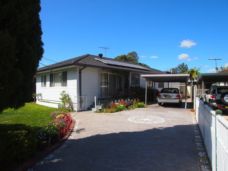 15 Huon Crescent, Holsworthy, NSW 2173