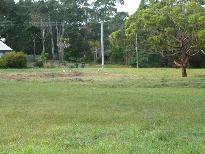 1 Orange Gr, Smiths Lake, NSW 2428