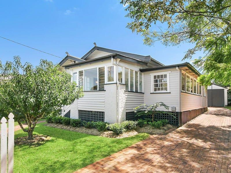 27 Dunmore Street, East Toowoomba, Qld 4350