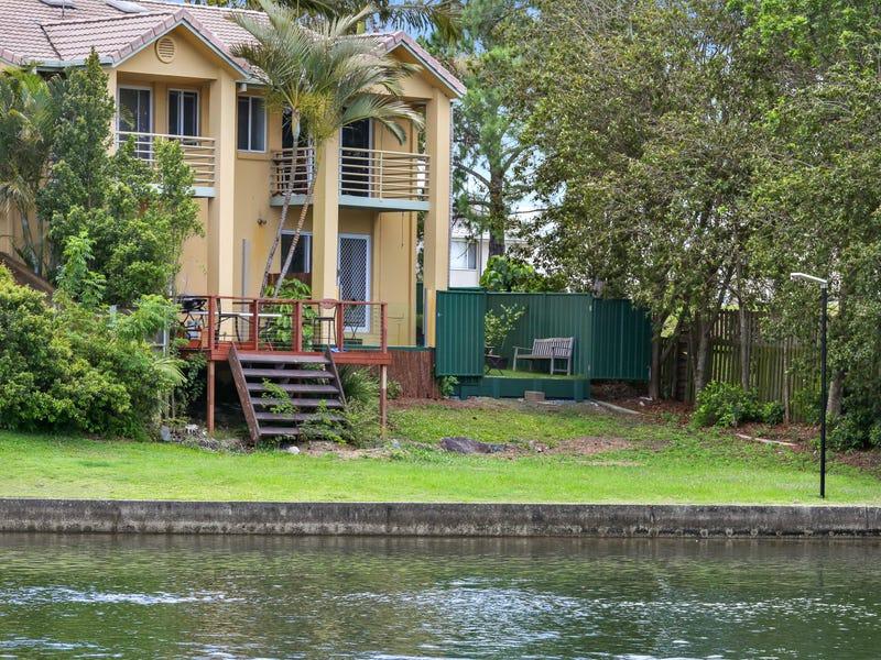 215 Cottesloe Drive, Mermaid Waters